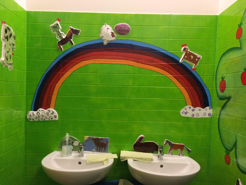 Im April 2017 Wurden Die Toilettenräume Unserer Schule Neu Gestaltet. Im  Rahmen Eines Großen Projekts Stellten Unsere Schülerinnen Und Schüler Aus  ...